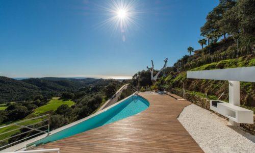luxury villas in Marbella infinity view